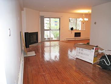 New York Living Room Before Staging